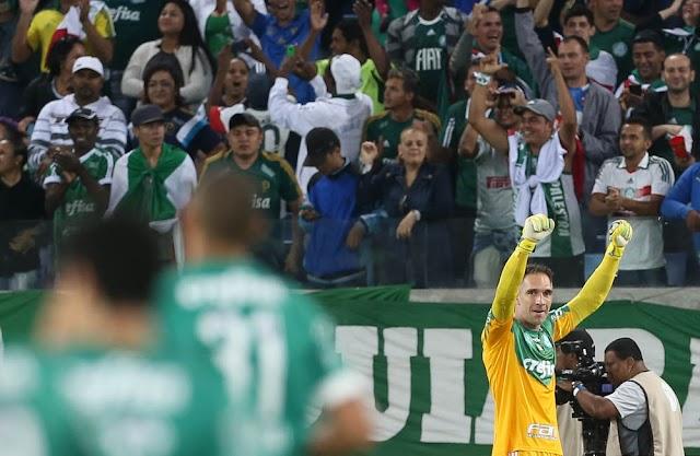 Dudu faz dois e Palmeiras derruba a Ponte tomando suco de Cajá