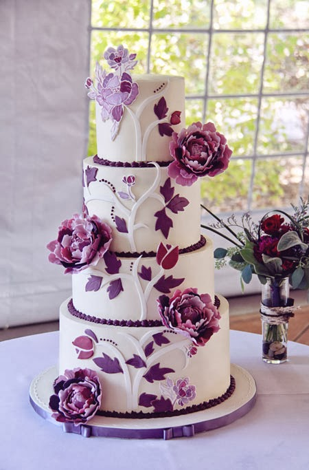 Images Of Purple Wedding Cake : Beautiful Bridal: Purple and White Wedding Cakes