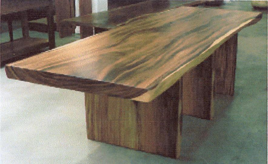 Meja ukuran tebal 7cm lebar 120cm dan panjang 300cm