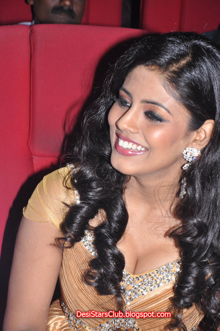 Iniya Beautiful Photos in Embroidery Dress