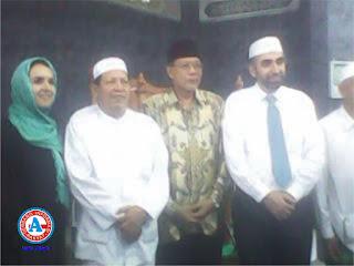 Imam Masjid Amerika Serikat Kunjungi Ponpes Al-Ikhwan Salama
