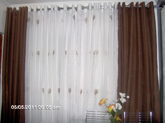 Mari cortinas cortina marrom sala for Cortinas de visillo para sala