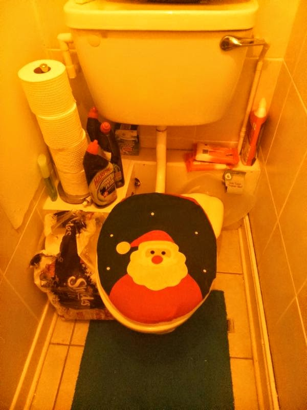 toilet santa