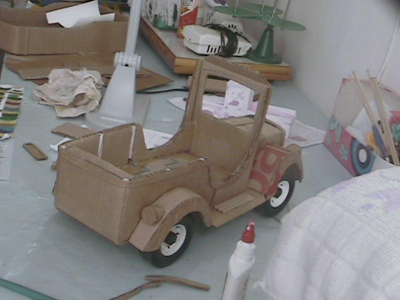 No Mundo De Alice Oficina De Artes Carro De Papelão