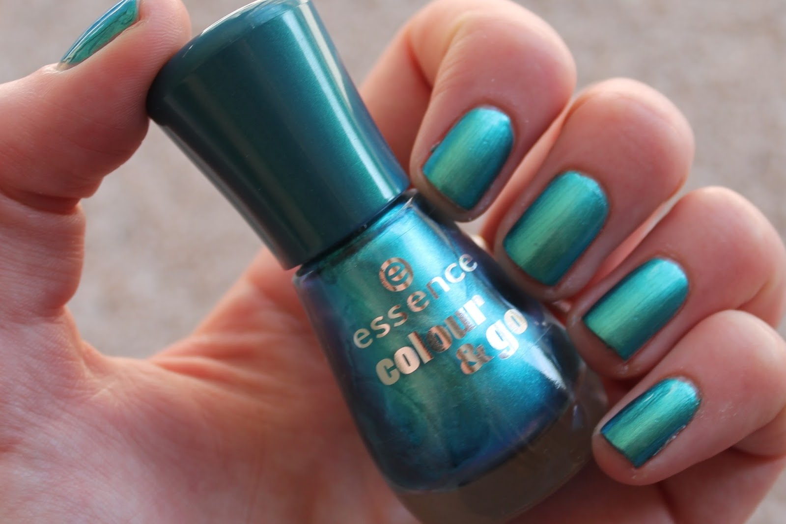essence colour and go nail polish - 172 splash swatch