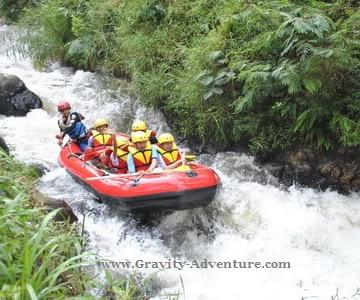 Arung jeram di Sungai Palayangan Pangalengan Bandung