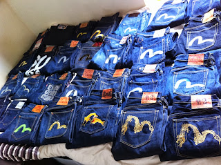 72 PAIRS OF EVISU JEANS.SIZE FROM 28 - 40