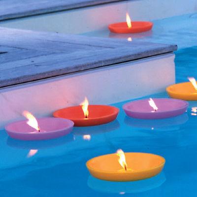 Ideas para decorar una piscina para boda aluzza for Velas flotantes piscina