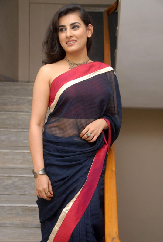 Veda Telugu Actress New Without Blouse Backless Saree Photos hot photos