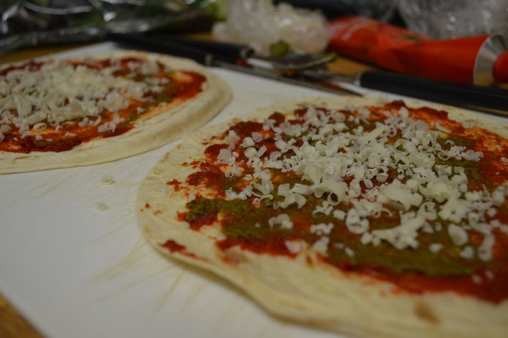 Pizza tortilla to grill