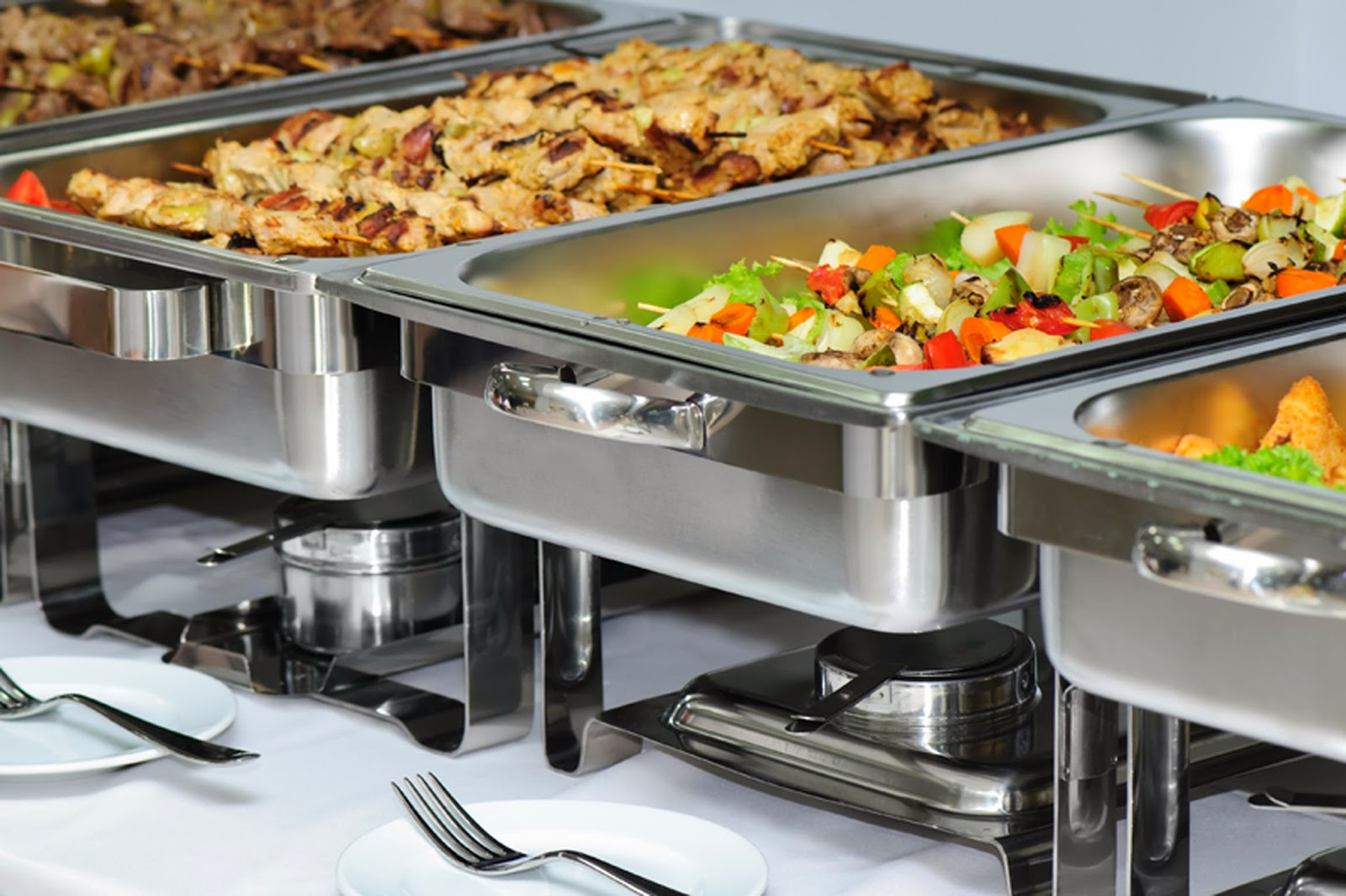 chafing dish sau vasul de incalzire, pastrare calda alimente, servire bufet cald