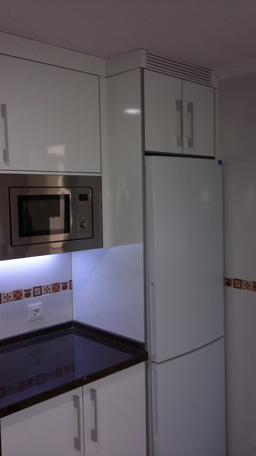 Muebles eduardo tallero muebles de cocina for Encimeras imitacion a silestone