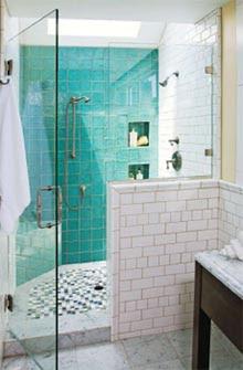 Arredamenti moderni idee bagno doccia in muratura - Mosaici per doccia ...