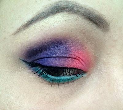 Kolorowy makijaż paletkami My Secret - krok po kroku