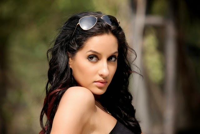 Nora Fatehi Spicy And Sizzling New Stills