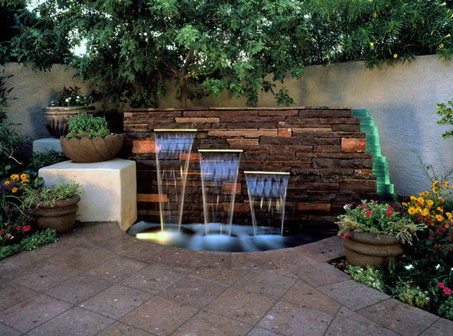Superbe Backyard Fountains Undoubtedly Are A Great Add On To Almost Any Landscape.  Discover Ideas Right Here For Exactly What Style, Dimensions, And Design Of  ...