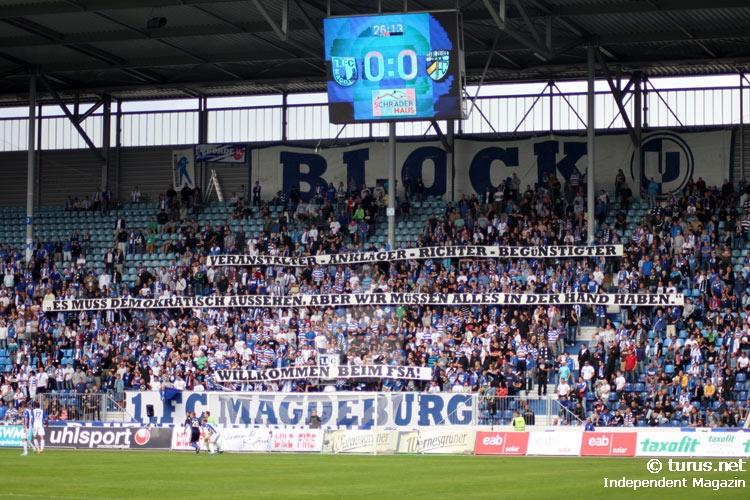 Le Mouvement en Allemagne . - Page 8 Spruchbaender_im_magdeburger_block_u_20130901_1401187847