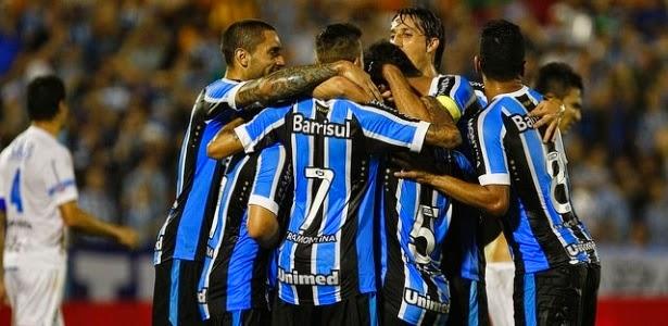 Em jogo tranquilo, Grêmio vence Novo Hamburgo