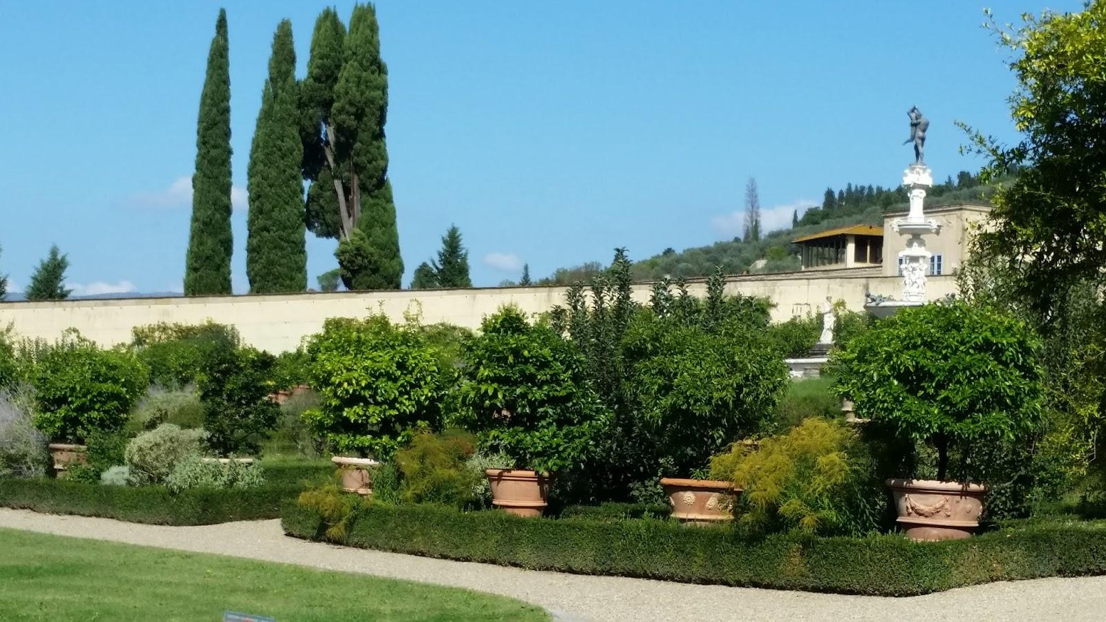 Hortibus voyage palais et jardins prives de toscane for Jardin de toscane