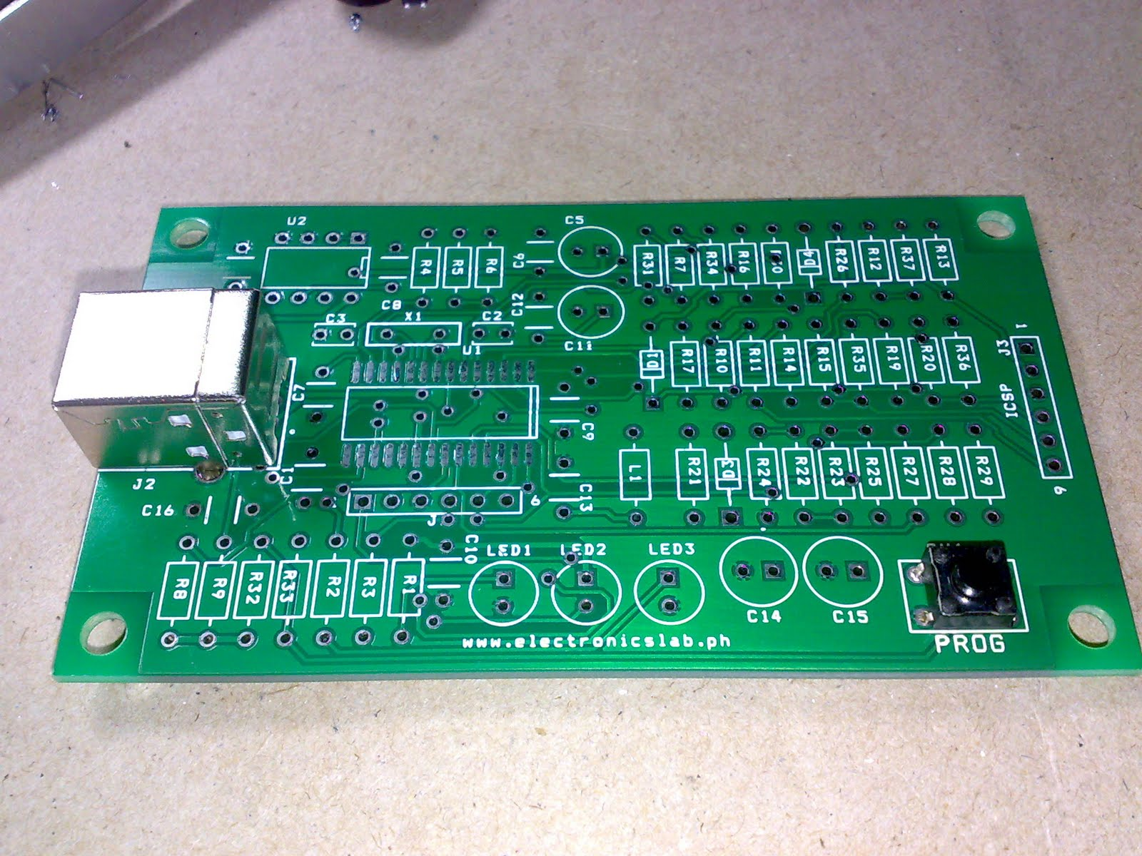 Rbts Tech Depot May 2011 Rf Remote Control With 3 Channels By Pic12f509 Usb And Program Switch Installed
