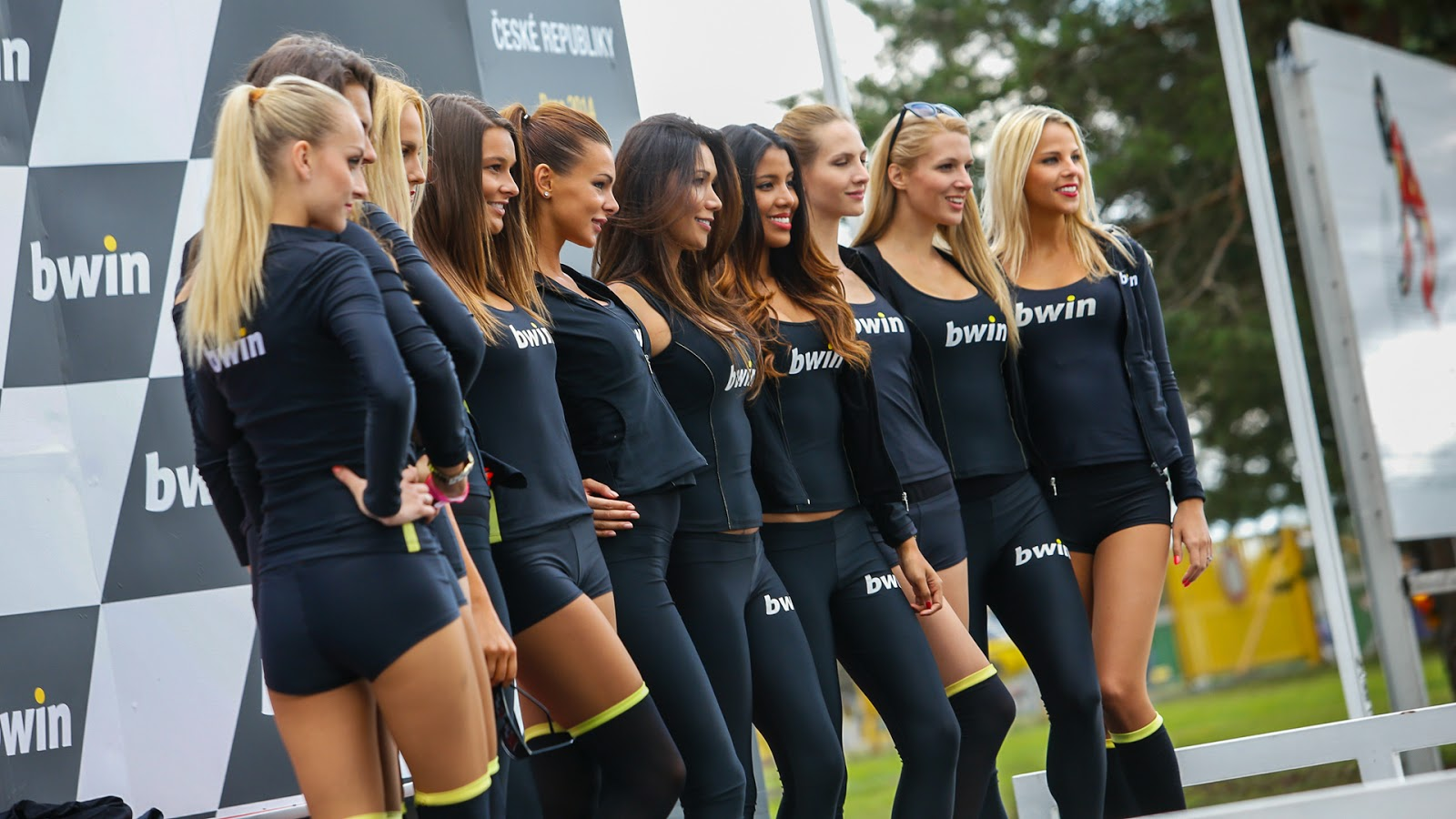 grid girls hd wallpapers - photo #4