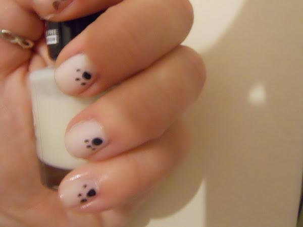 Pawprint Nails
