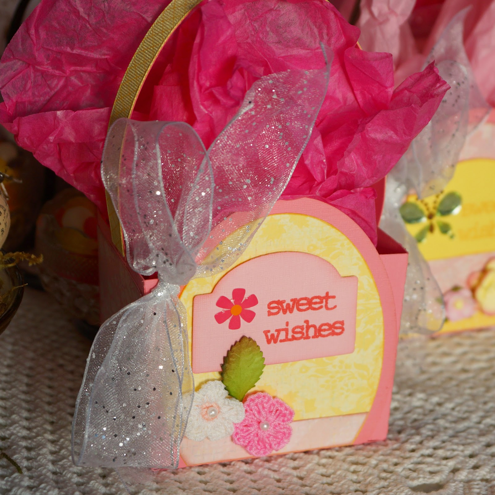 How To Make a Spring Party Goodie Bag - Craft Paper Scissors