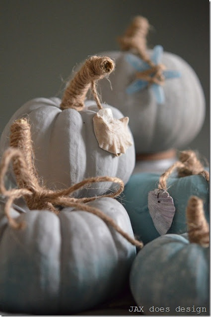 DIY Ombre Pumpkins from Setting for Four #DIY #Pumpkin #Fall #Halloween #Annie Sloan