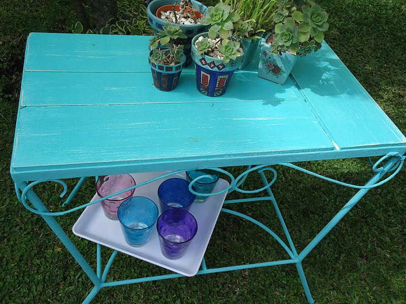 Vintouch muebles reciclados pintados a mano mesa de - Mesas de hierro para jardin ...