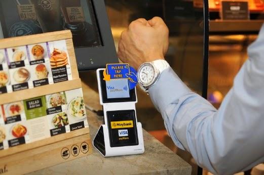 Jam tangan tanpa sentuh untuk pembayaran dari Visa, Maybank