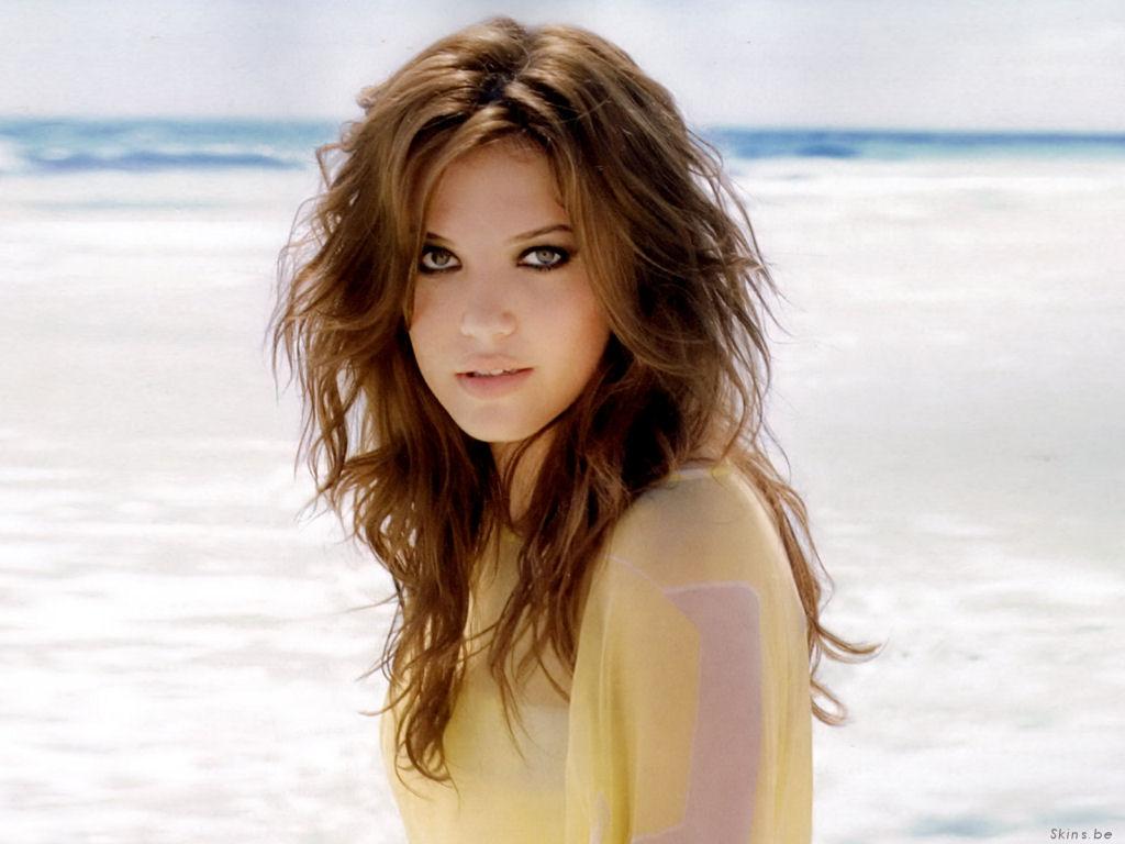 http://3.bp.blogspot.com/-iCpiHncsmb0/TwrN4JYhZhI/AAAAAAAAsf8/8WV3xG37-0I/s1600/Mandy+Moore++Hairstyles+%2528154%2529.jpg