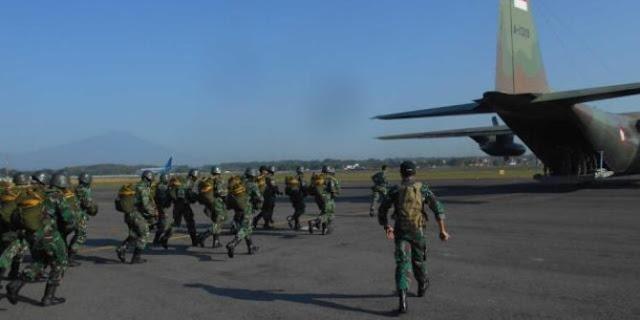 Lupakan perselisihan, Kopassus dan TNI AU latihan terjun bersama