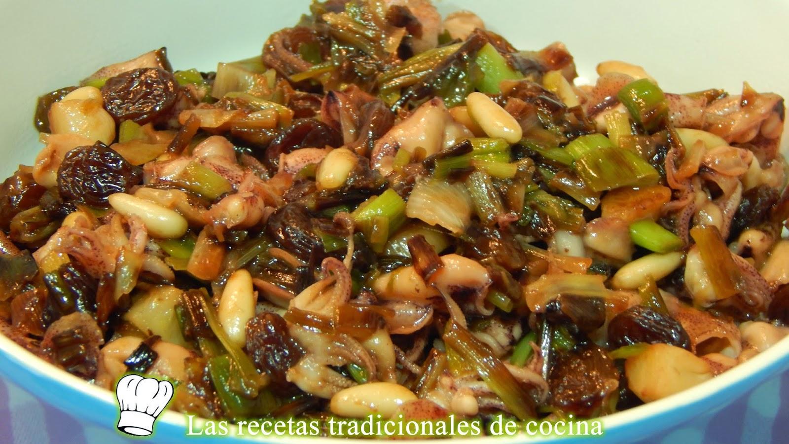 Calamares con ajos tiernos pasas y pi ones receta f cil - Limpiar calamares pequenos ...