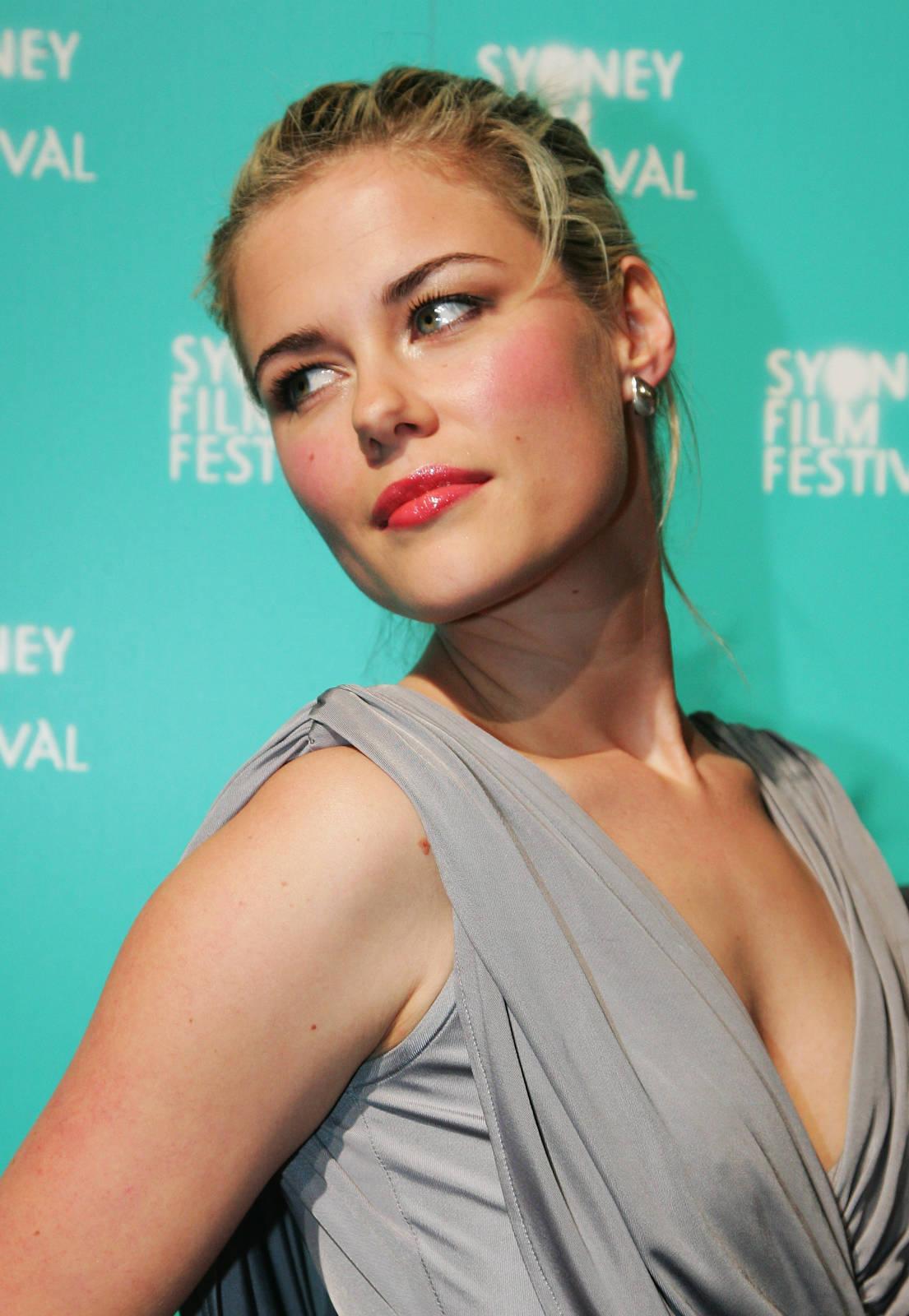 Rachael Taylor summary   Film Actresses