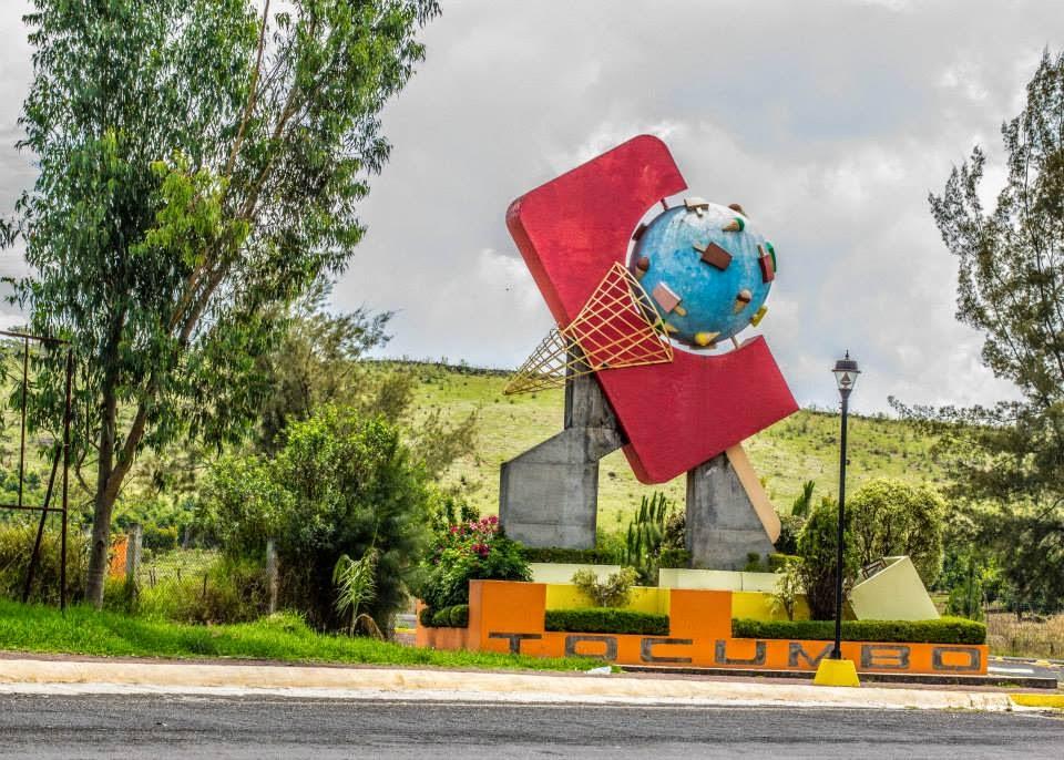 Vista del monumento a la paleta en Michoacán
