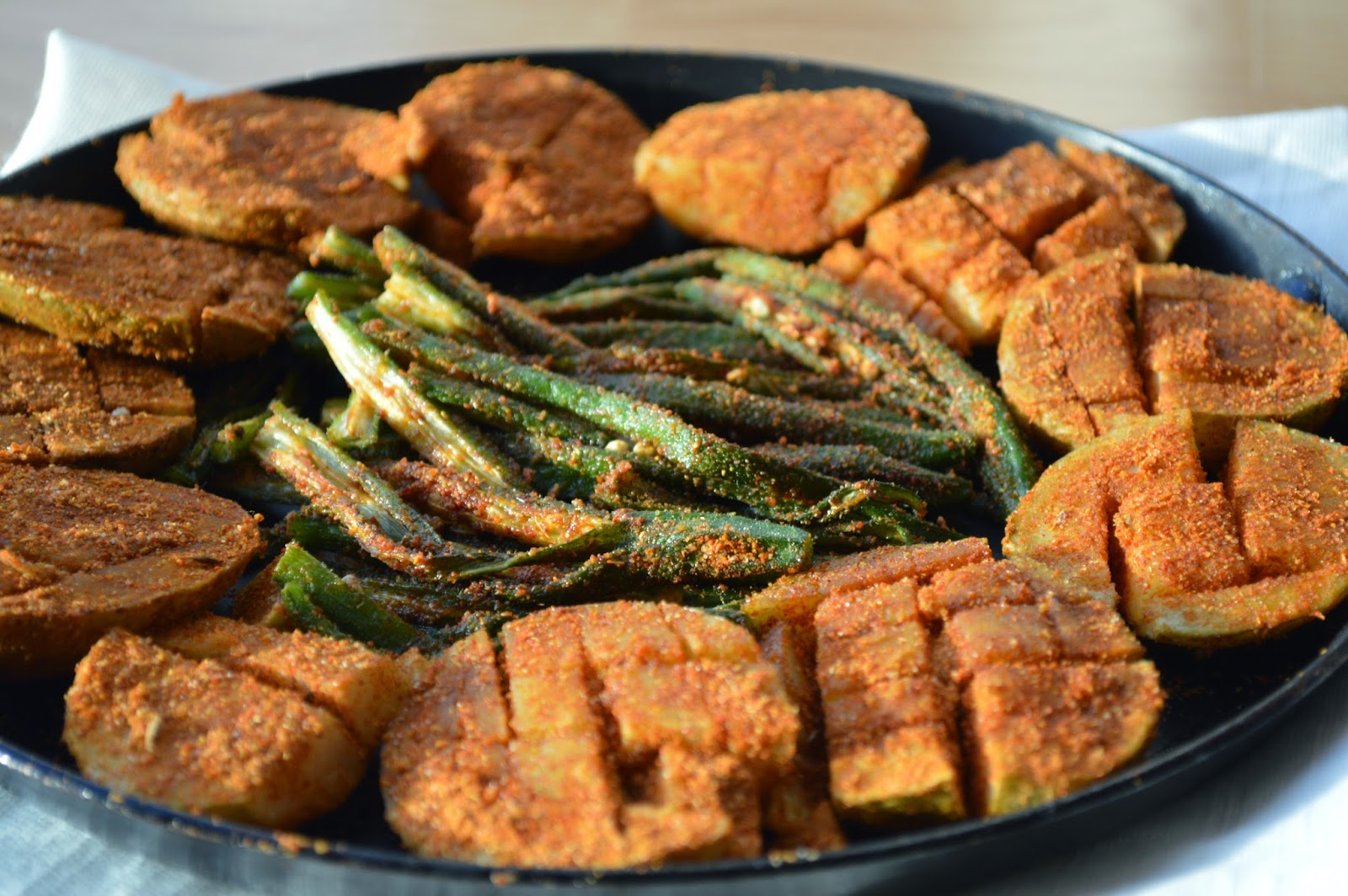 Tawa Bhaji / Crispy Masala okra and potatoes / Aloo Bhindi