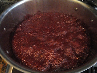 Blackberry-Jam-without-added-Pectin-Boil.jpg