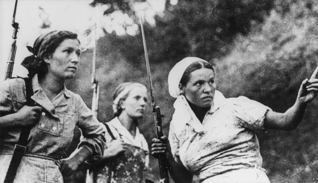 Soviet women partisans fight the Germans