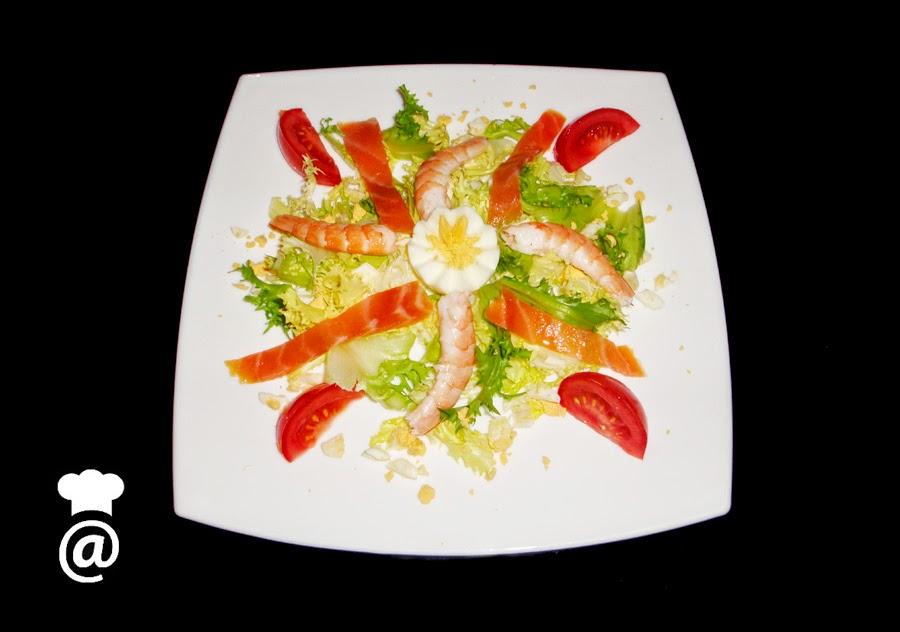 Recetas para dieta: Ensalada de langostinos y salmón