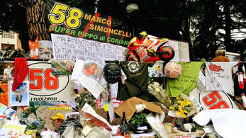 simoncelli-dimakamkan-di-coriano' border=