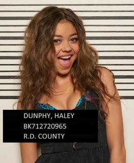 Haley Dunphy de Modern Family arrestada - Sarah Hyland