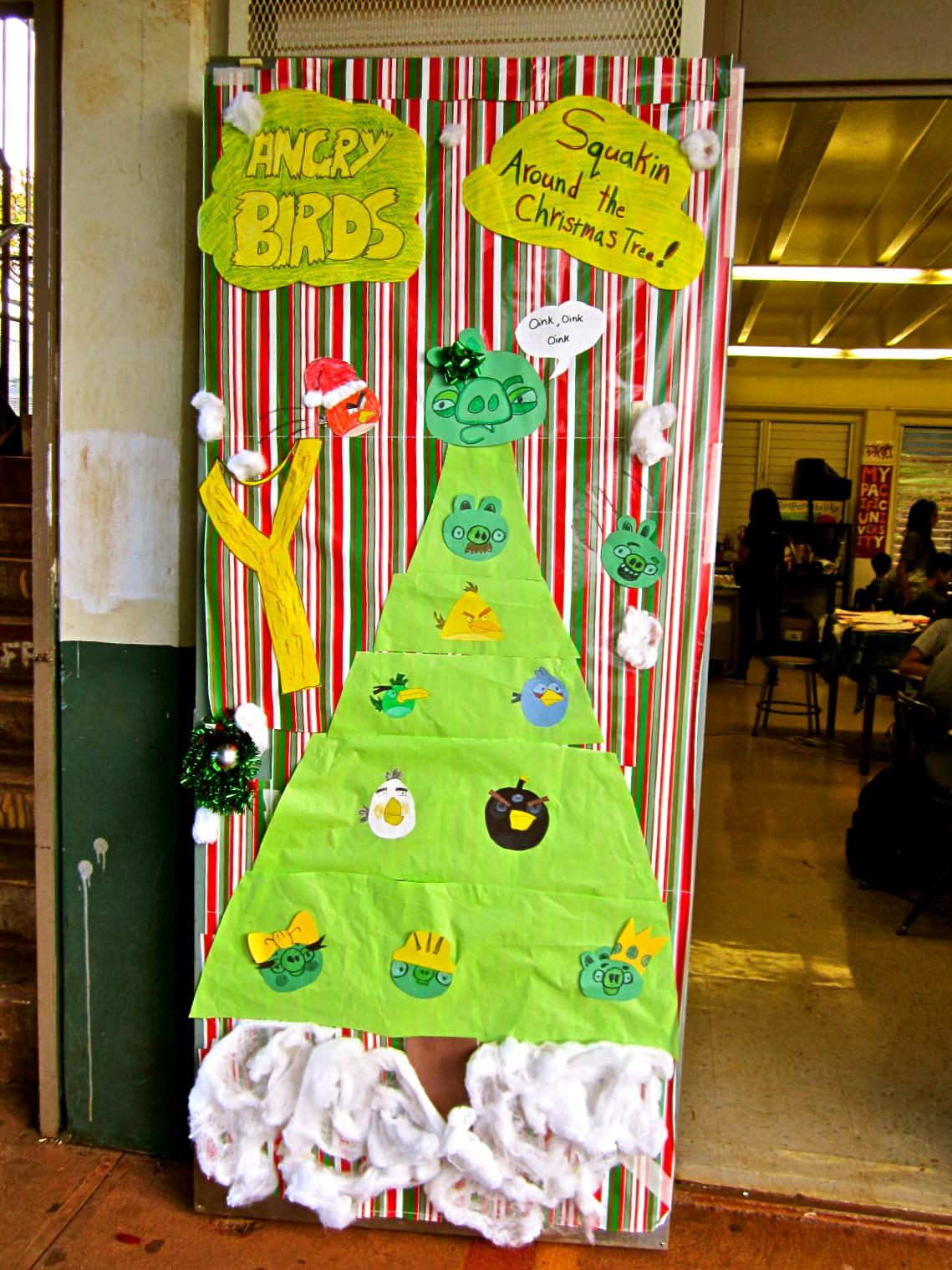 christmas door decorating contest 11