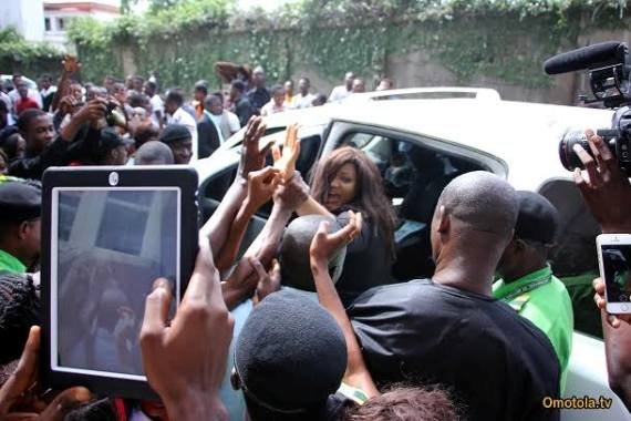 Omotola Mobbed by Fans at Yabatech WYSD Event (Photos)