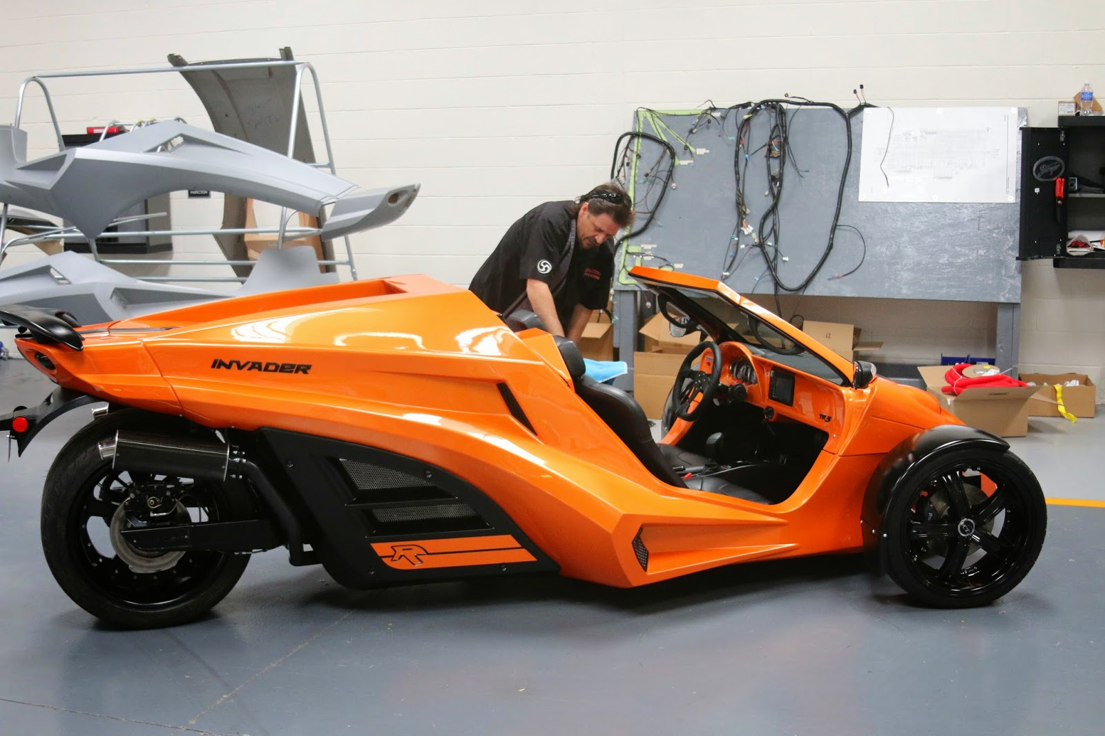 Tanom Motors of Culpeper is manufacturing a new motorcycle like vehicle that goes from 0-60 in under four seconds!!. It is a reverse tricycle called the ...