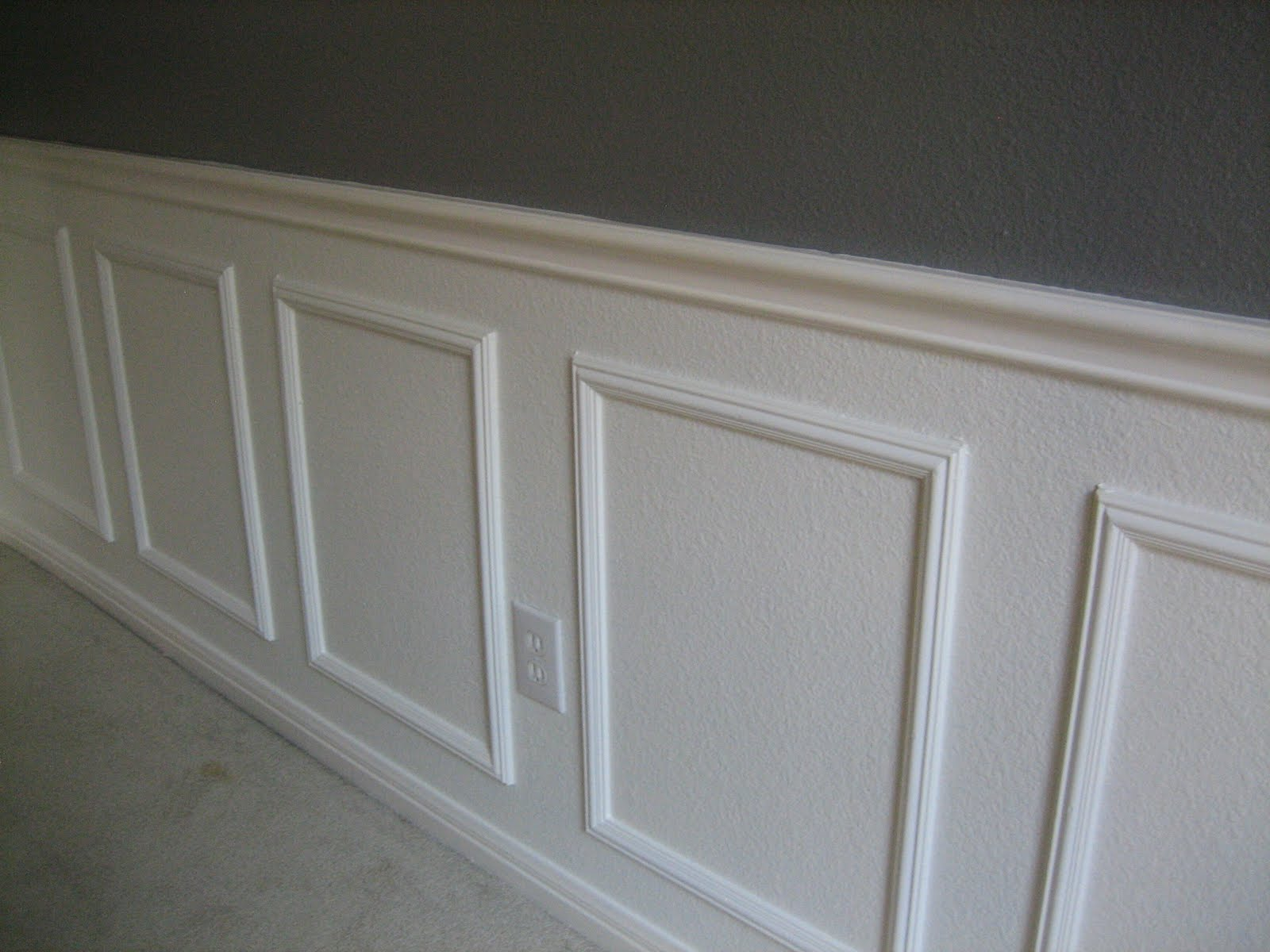 Wainscoting bathroom tile