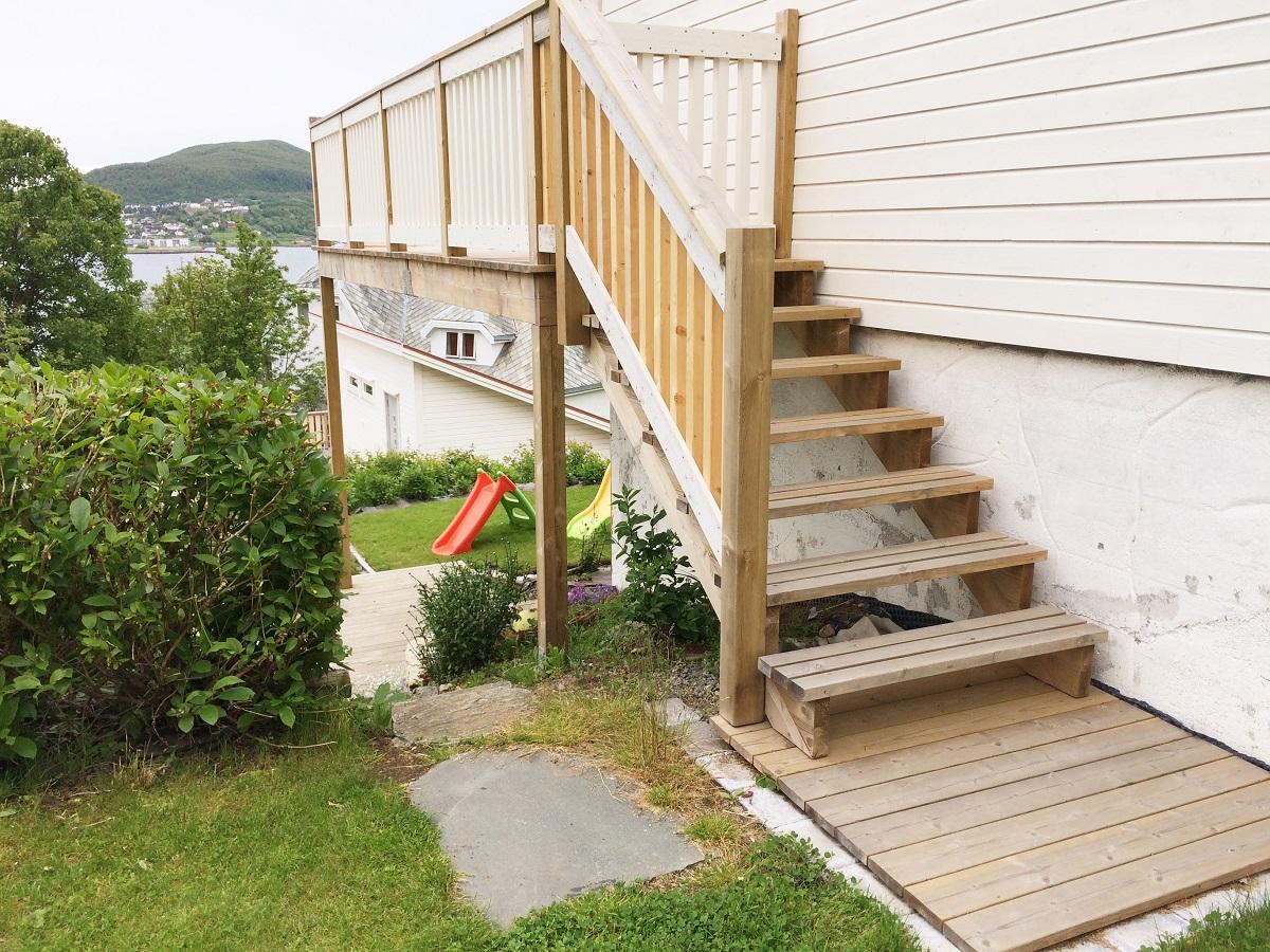 Trapp til veranda