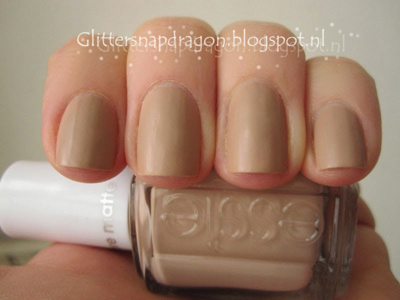 Essie - All Eyes on Nudes