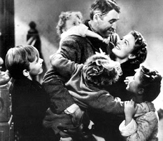 End family scene of It's a Wonderful Life with Jimmy James Stewart 1946