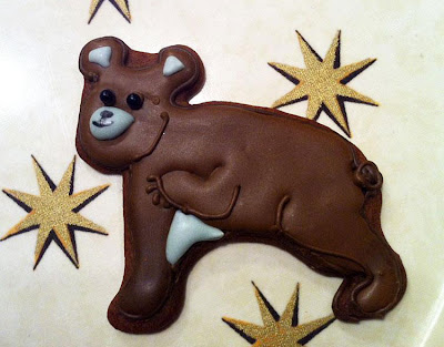 brown bear gingerbread cookie