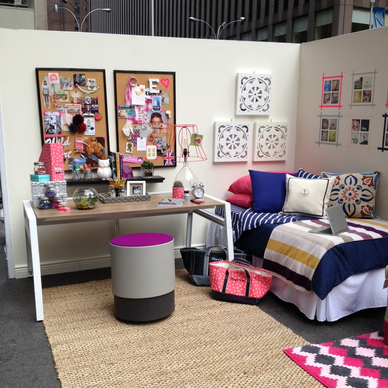 Decorating Ideas > College Dorm Storage Ideas  Viewing Gallery ~ 113812_College Dorm Room Ideas Examples